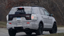 2019 Ford Explorer spy photo