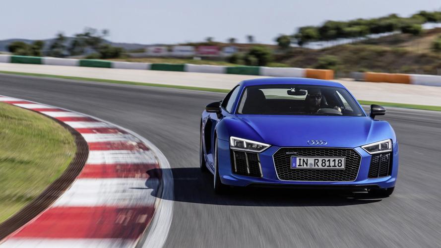 Audi R8 V10 Plus, Toro Rosso STR6'nın hız rekorunu kırdı