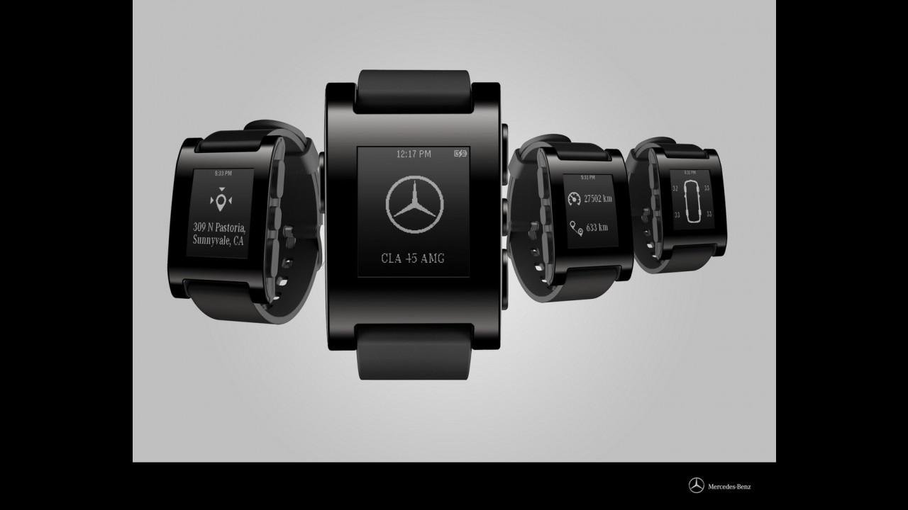 Mercedes presenta l'orologio connesso all'auto