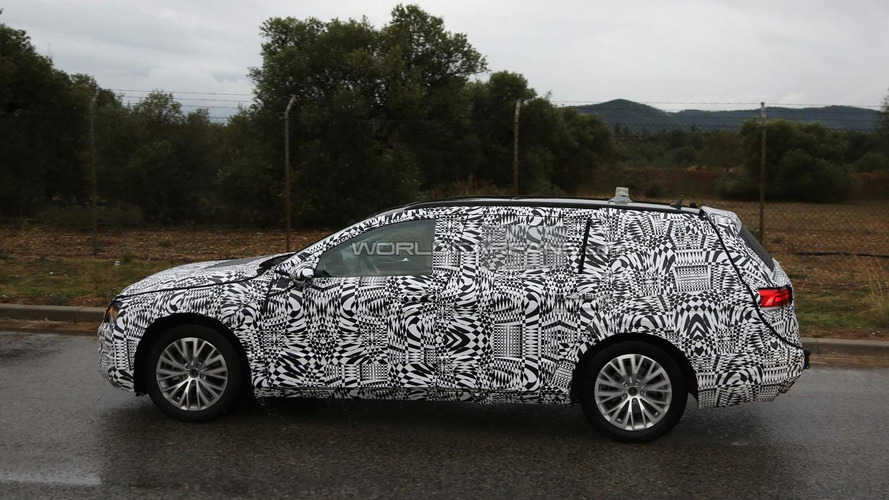 2015 Volkswagen Passat Sedan and Variant spied with production body