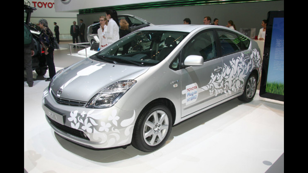 Seriennaher Plug-in-Hybrid: Dieser Toyota Prius kann auch an der Steckdose auftanken