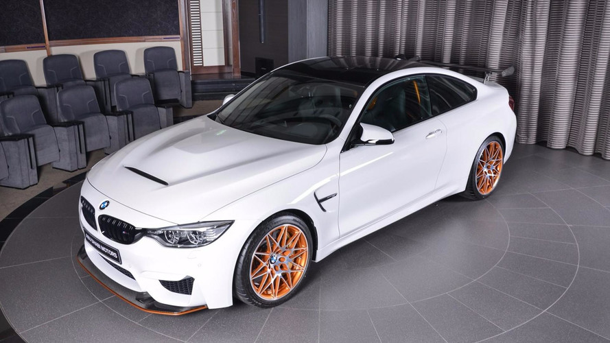 PHOTOS – Une très belle BMW M4 GTS chez Abu Dhabi Motors