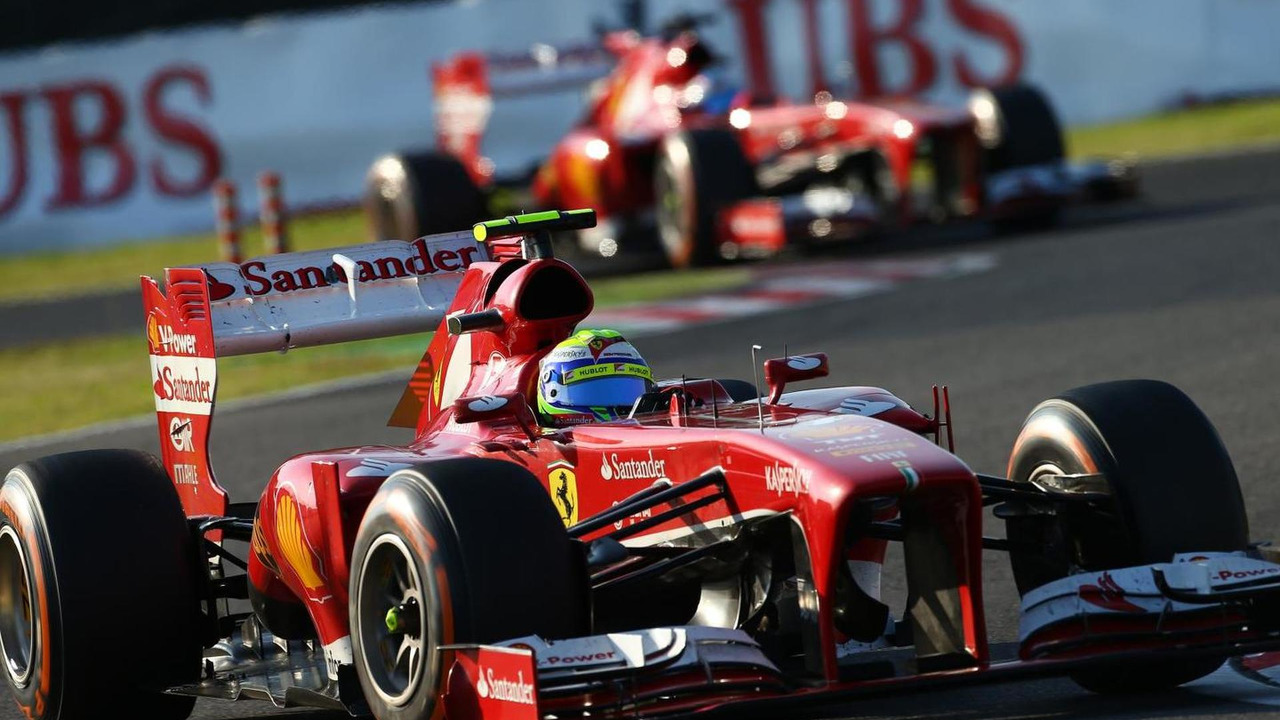 Felipe Massa leads Fernando Alonso 13.10.2013 Japanese Grand Prix
