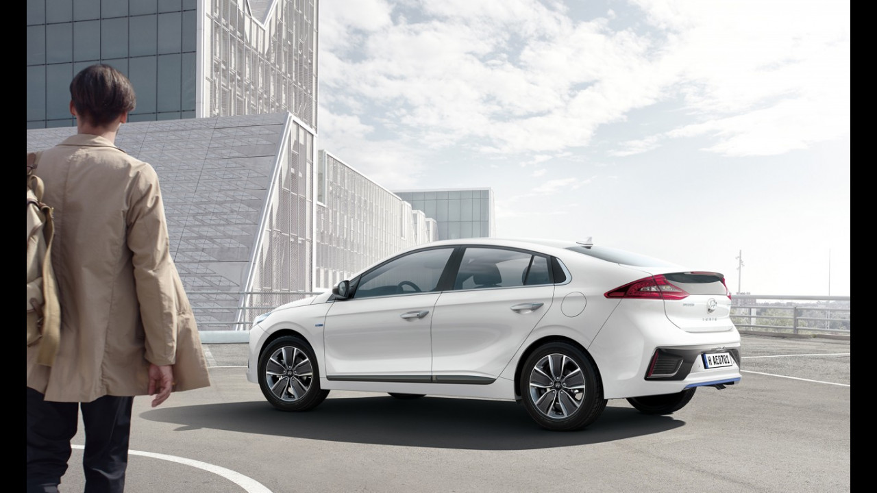 Hyundai Ioniq Hybrid 034