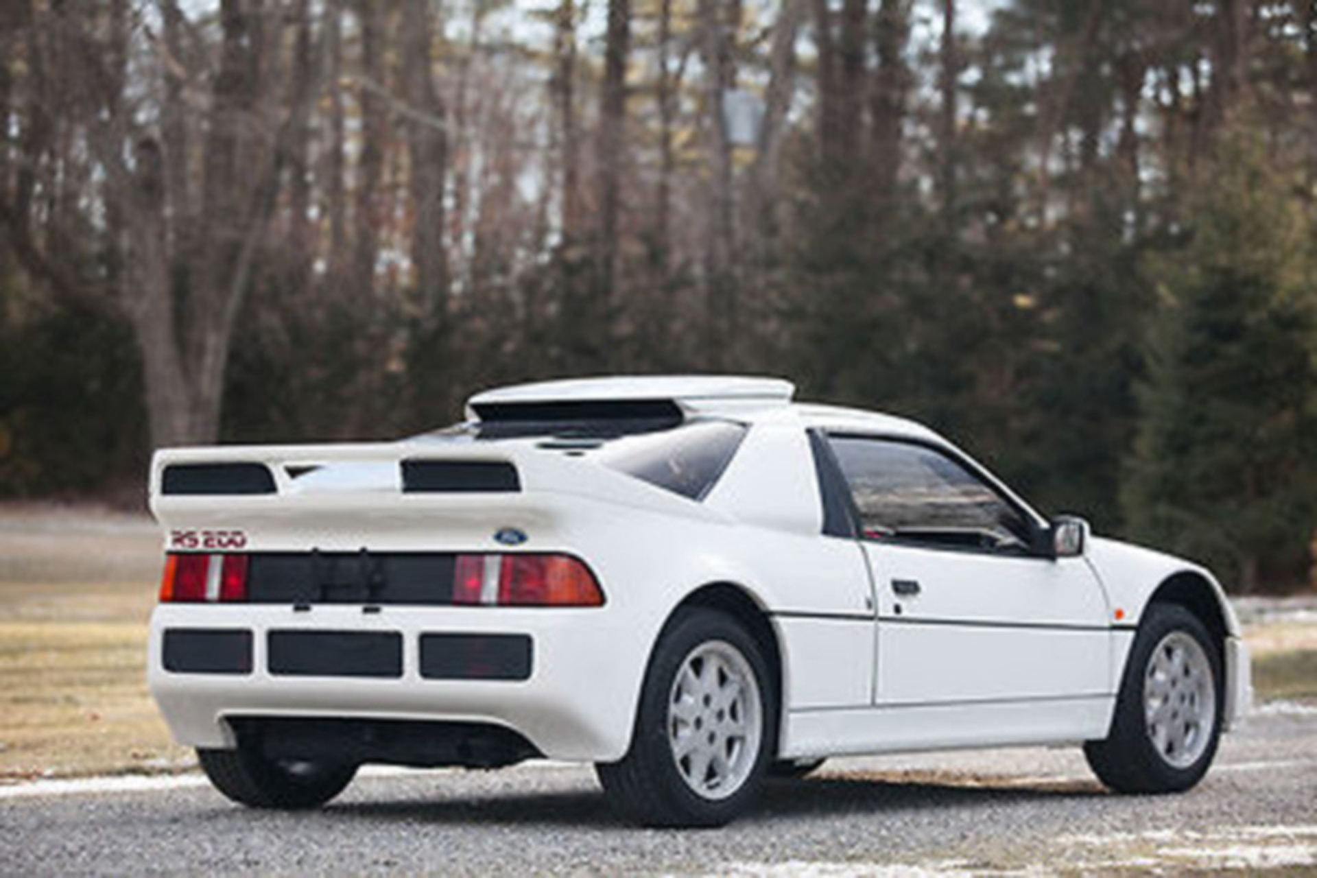 unicorns exist a rare ford rs200 supercar is up for sale. Black Bedroom Furniture Sets. Home Design Ideas