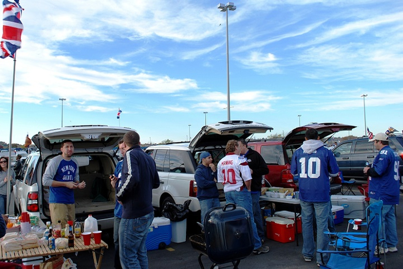 The 5 Best Cars For Tailgating