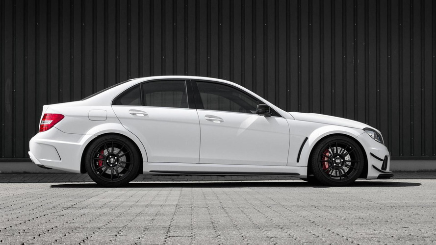mcchip-dkr sends out Mercedes-Benz C63 AMG with a 830 PS bang