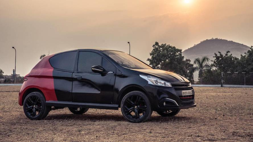 Peugeot trasforma una Ambassador in una 208 GTI
