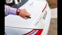Mercedes e Pebble criam relógio inteligente que monitora carro