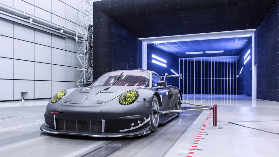 Porsche 911 RSR fase de fabricación
