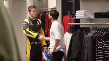 Jolyon Palmer shopping en Twingo GT