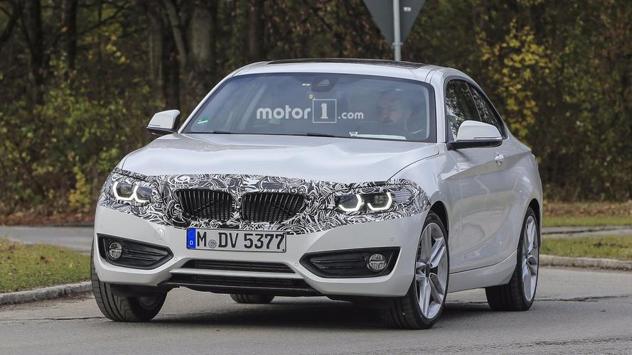 Flagra - BMW Série 2 Coupé reestilizado é clicado com pouco disfarce