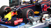 Winner Lewis Hamilton, Mercedes AMG F1 W07 Hybrid, third place Max Verstappen, Red Bull Racing in parc ferme