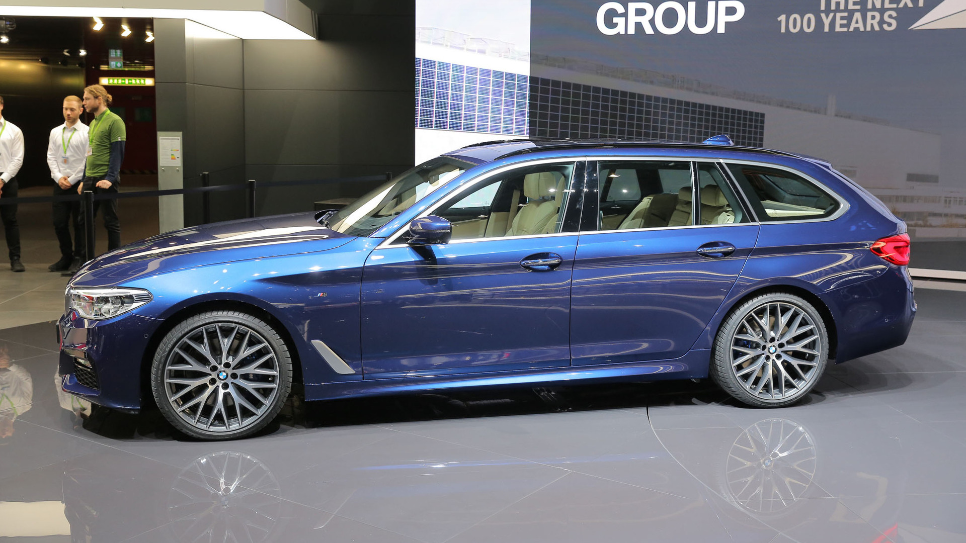 2017 bmw 5 series touring is the sexy wagon america will never get. Black Bedroom Furniture Sets. Home Design Ideas