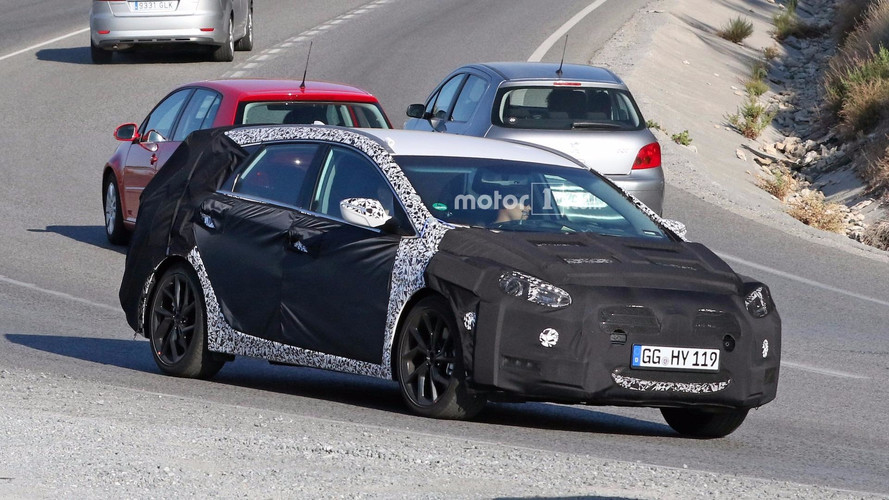 Hyundai i40 Wagon Spied For The First Time