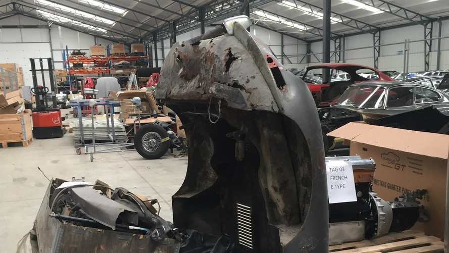 Jaguar E-Type Found In Pieces To Be Rebuilt