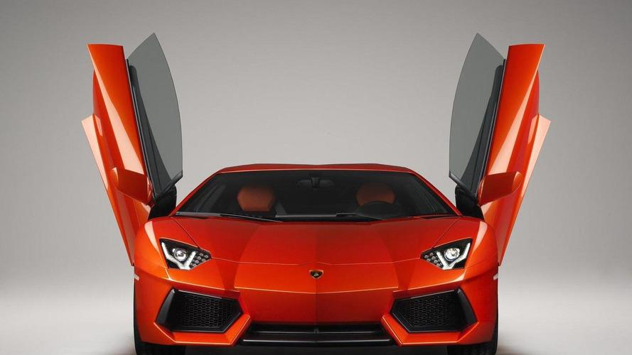 Ferrari FF & Lamborghini Aventador sold out for first model year - report