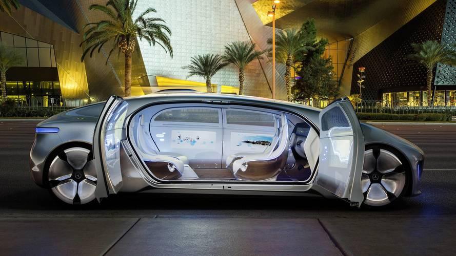 Mercedes-Benz, tam otonom araçlara sıcak bakmıyor