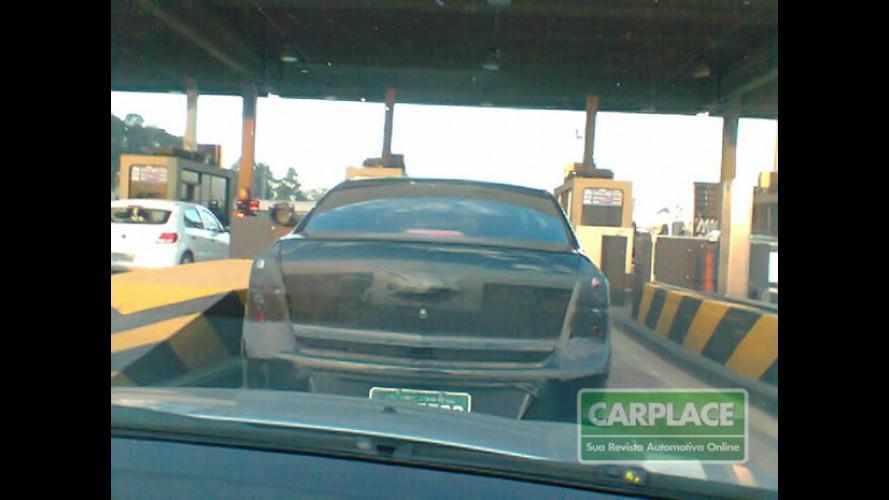 Leitor flagra Novo Chevrolet Cobalt com camuflagem mais leve