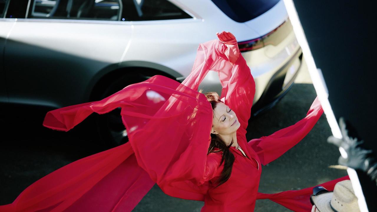 Mercedes Concept EQ and Susan Sarandon