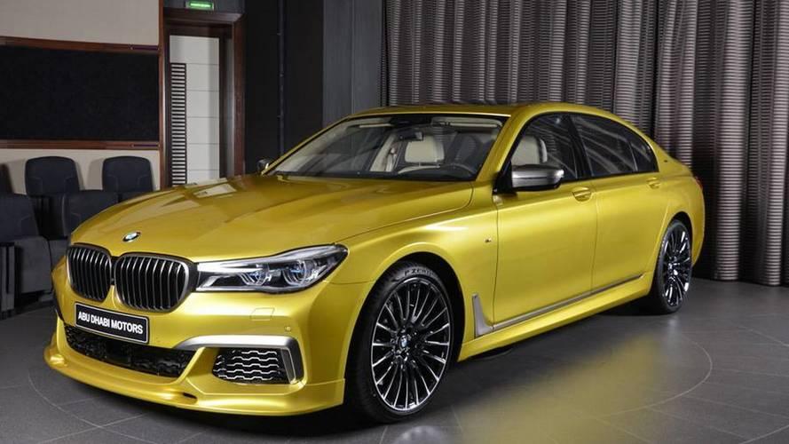 BMW M760Li xDrive Austin Yellow, brillante como el oro