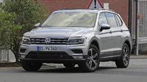 2017 Volkswagen Tiguan LWB spy photos