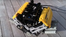 Legolardan yapılmış yüksek devirli V8 motor