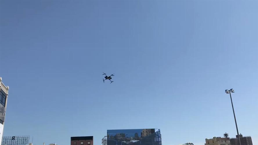 Drone kalkış yarışında Formula E aracını yeniyor