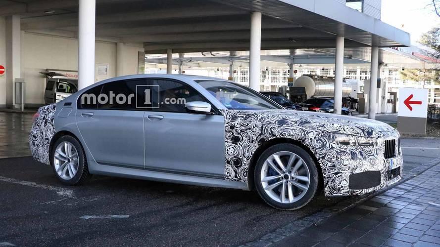 [GÜNCEL] BMW 7 Serisi, büyük ızgarasıyla yakalandı