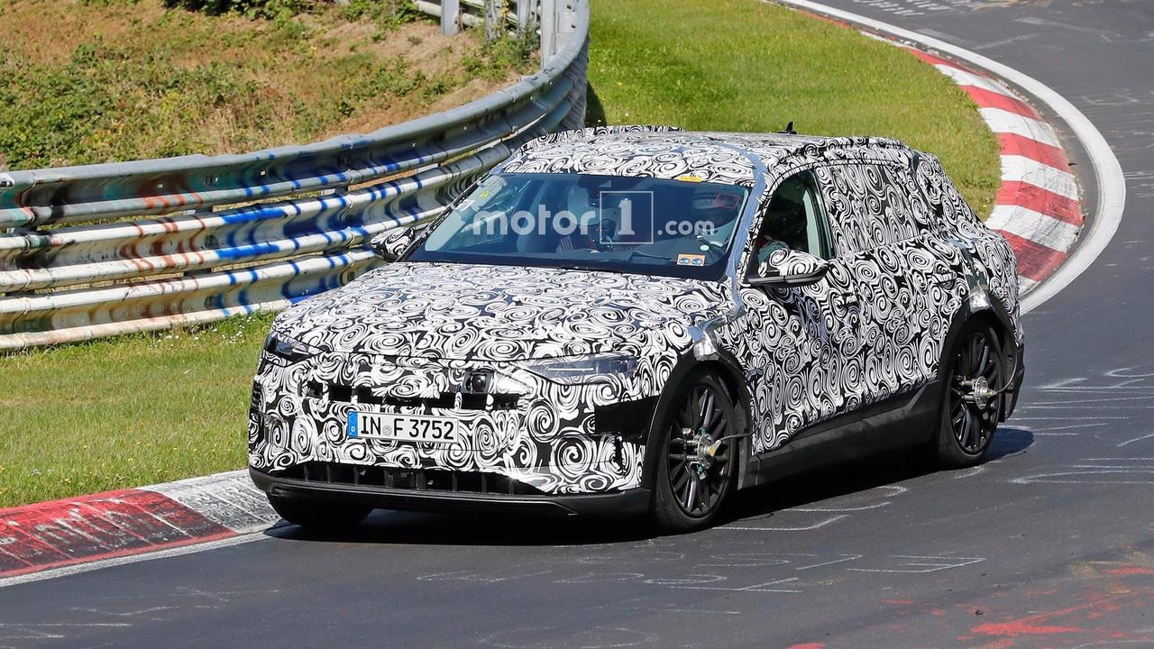 Audi E-Tron Quattro Spy Shots