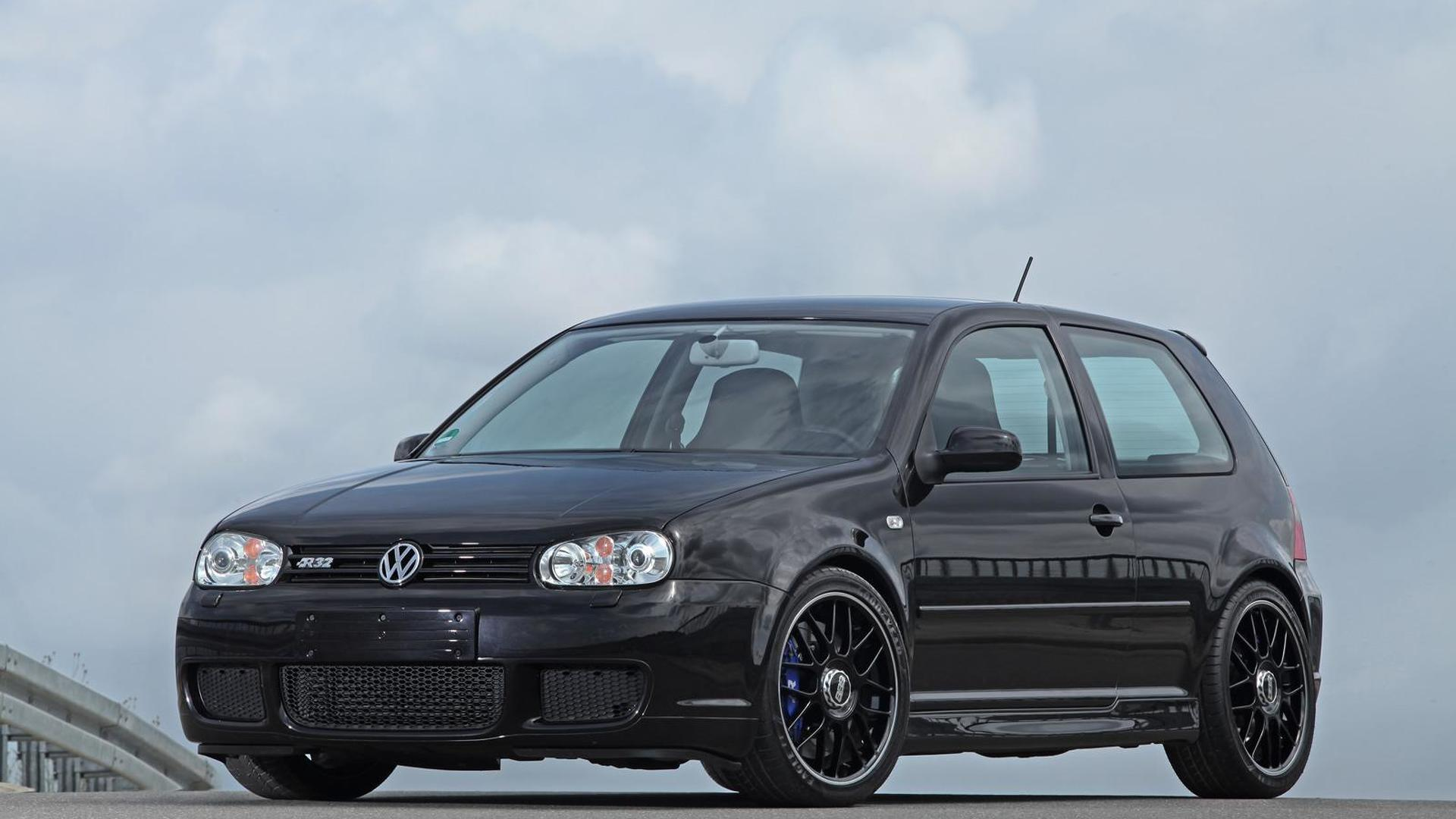Чёрный Volkswagen Golf IV R32. Тюнинг от HPerformance