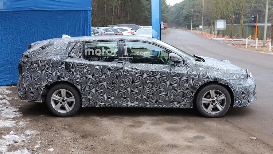 Yeni jenerasyon Toyota Avensis wagon görüntülendi