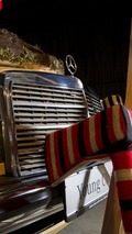 Mercedes-Benz, The installation 'The tradesman's estate car and the traditional lumberjack shirt' 19.01.2011