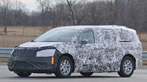 2017 Chrysler Town & Country spy photo