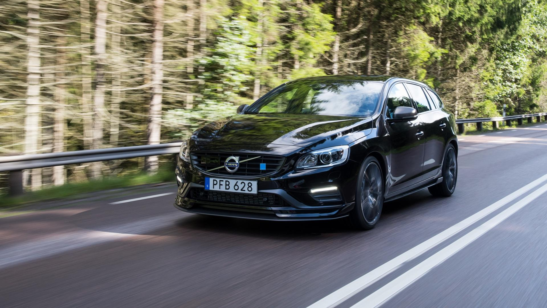 2018 volvo s60 and v60 polestar get carbon fiber aero pack. Black Bedroom Furniture Sets. Home Design Ideas