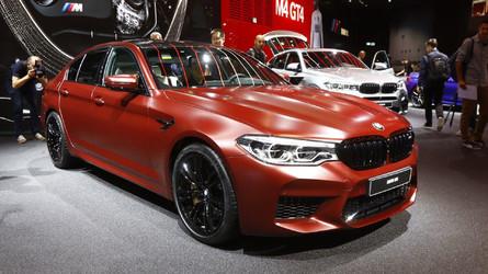 Virtuális séták Frankfurtban: új BMW M5, Lamborghini Aventador S Roadster és társai