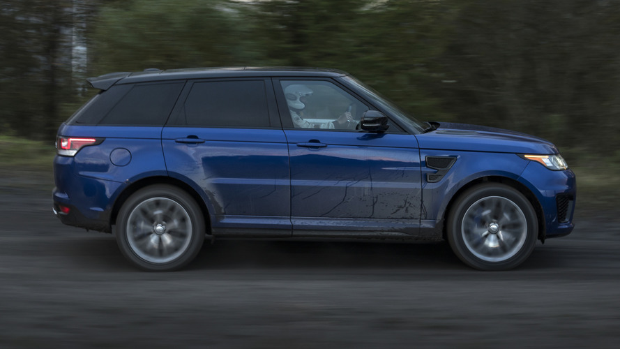 Range Rover Sport SVR goes 0-62 mph in 5.5 sec on grass and sand