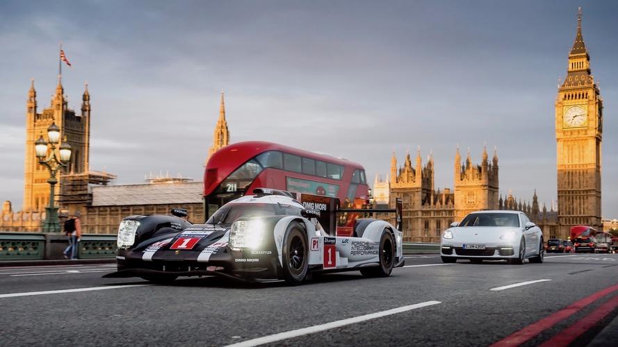 Porsche 919 ve Panamera E-Hybrid Londra sokaklarında