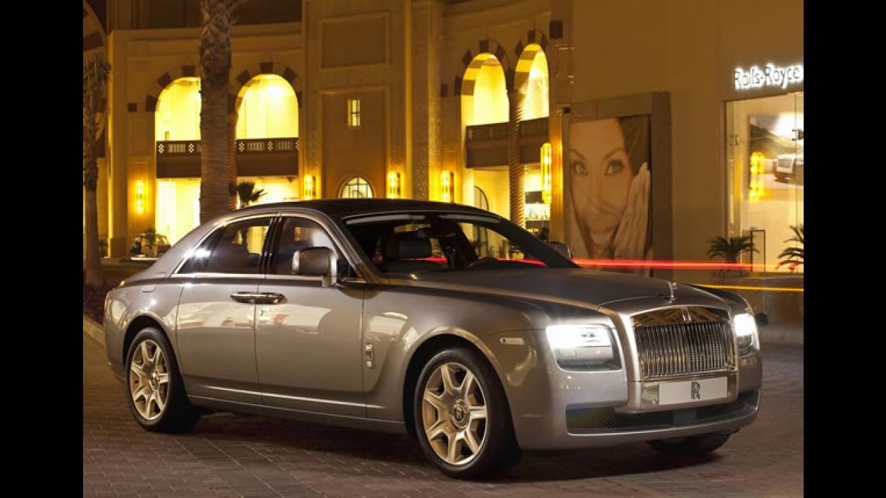 Rolls-Royce convoca sedã Ghost para recall por problema na bomba d'água