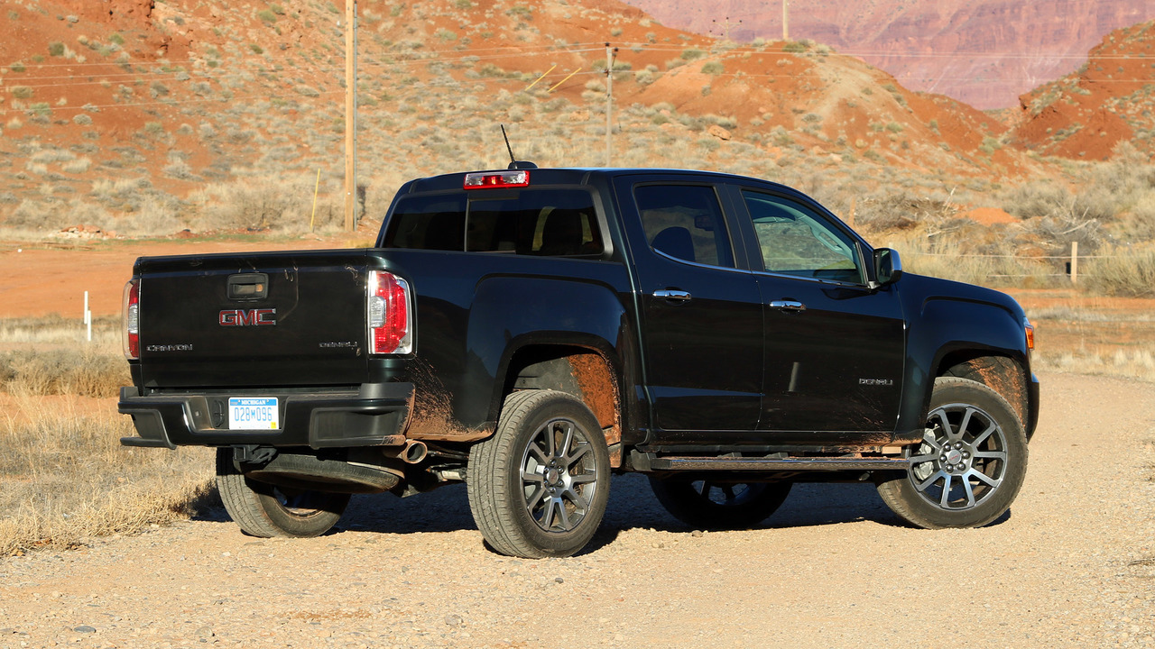 2017 gmc canyon denali review photo gallery. Black Bedroom Furniture Sets. Home Design Ideas