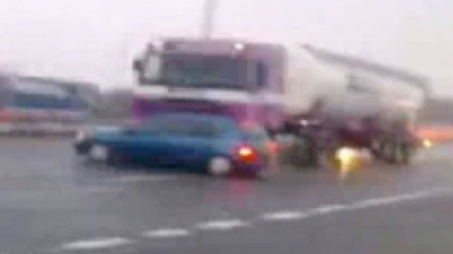 UK Truck Gets New Clio Hood Ornament - Driver Oblivious [Video]