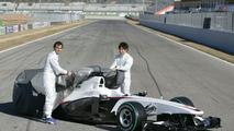 Pedro de la Rosa (ESP), Kamui Kobayashi (JAP), BMW Sauber C29 launch, Valencia, Spain, 31.01.2010