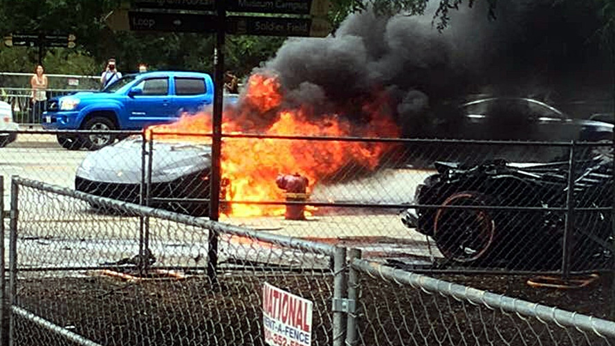 Lamborghini Huracan splits in half, driver pulled out just before it catches fire