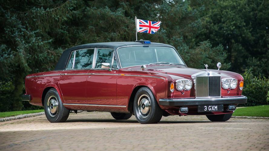 İngiliz kraliyetine ait 12 otomobil açık arttırmaya çıkıyor
