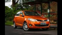 Hatches compactos: 208 bate Punto e reduz vantagem do líder Fiesta