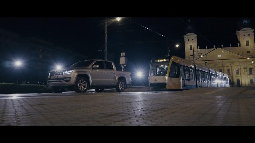 Vídeo: Volkswagen Amarok V6 reboca trem de 49 toneladas na Hungria