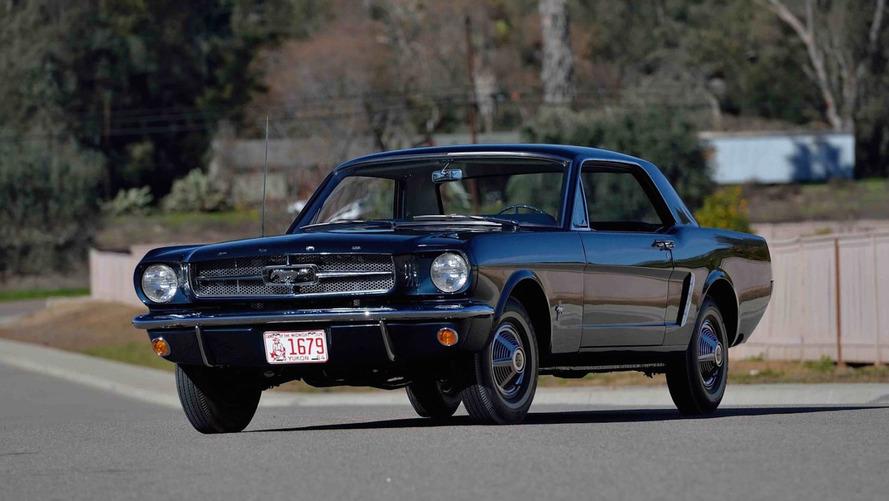 İlk Mustang açık arttırmaya çıkıyor