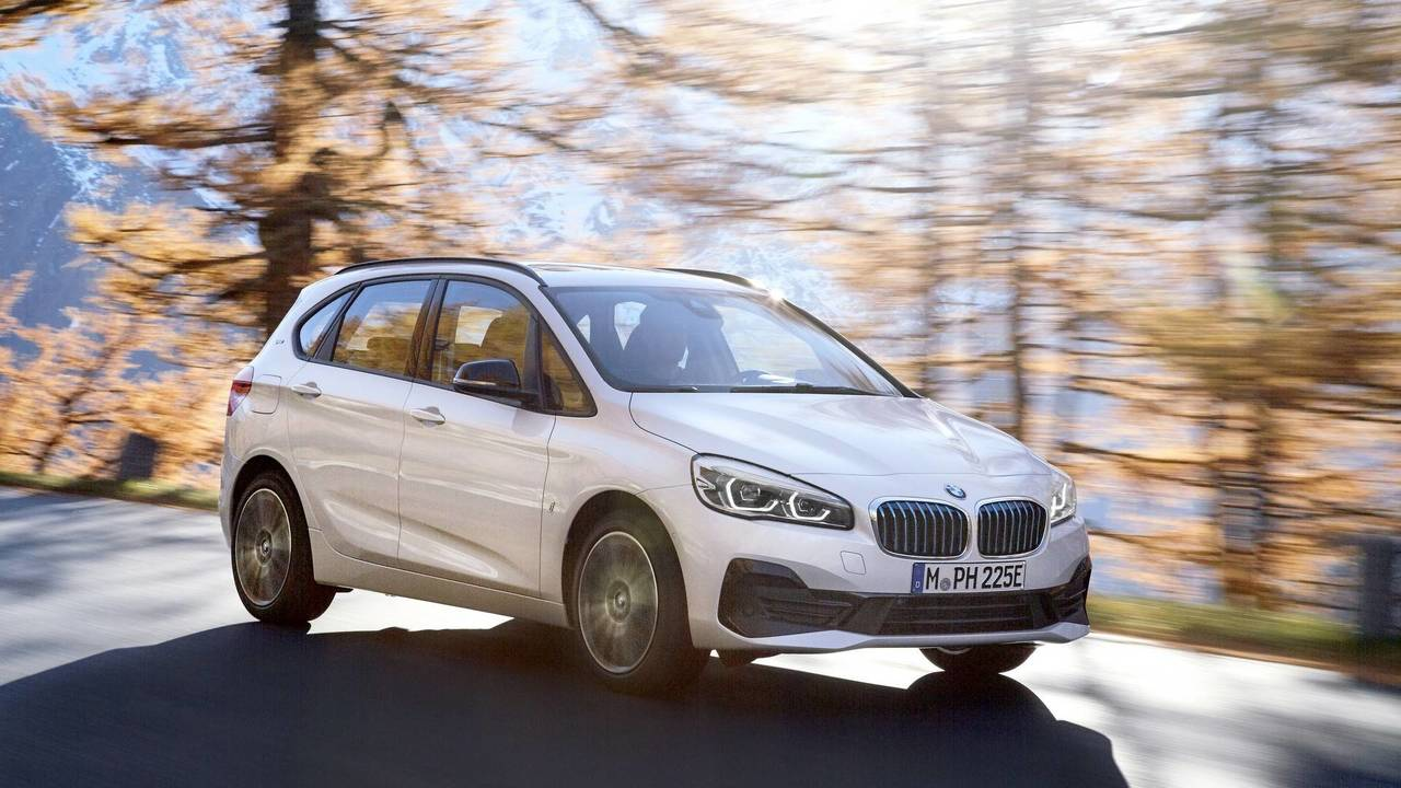 bmw 2 series active tourer gets the mildest of facelifts. Black Bedroom Furniture Sets. Home Design Ideas