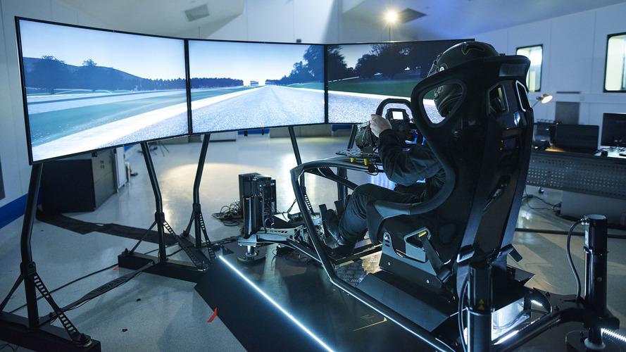 Les Essais Titanium en vidéo : Aston Martin Vulcan et Koenigsegg One:1