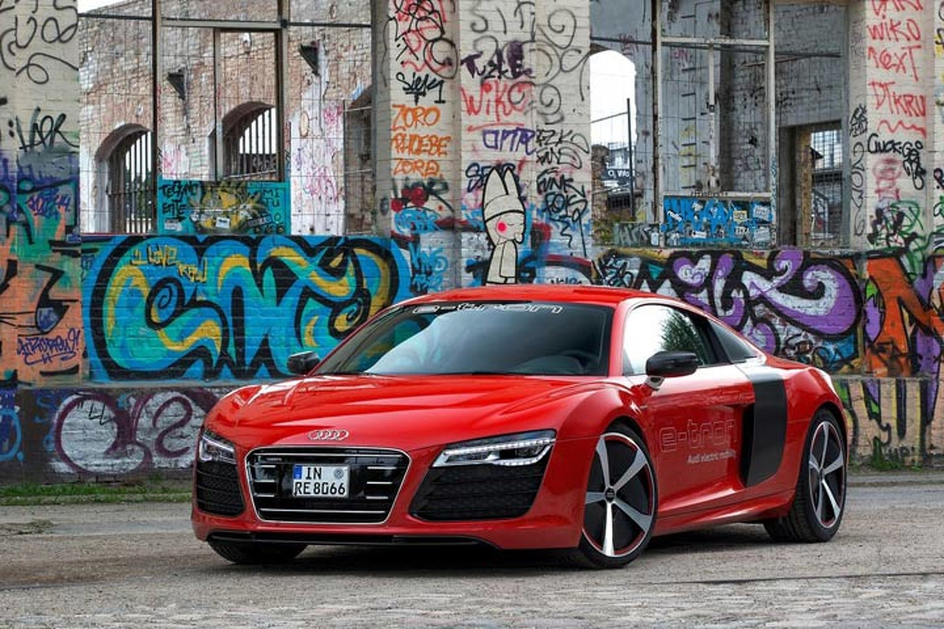 Zap! All-Electric Audi R8 e-tron Coming in 2015